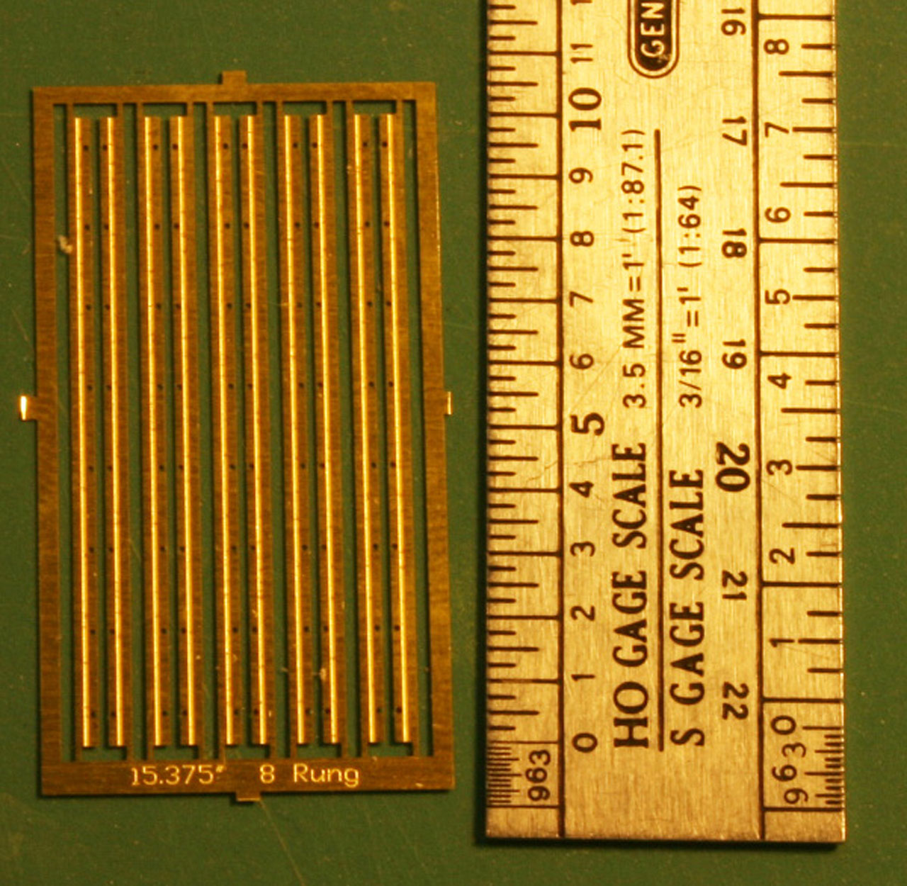 Precision Scale HO #32008 Ladders Corner 8/' 6-Rung Plastic Parts
